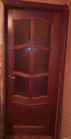 Одностворчатая дверь на кухню.