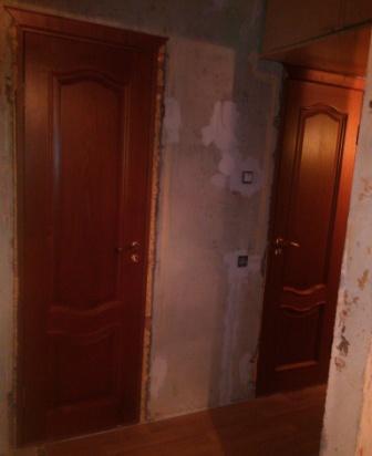 Двери в ванную.