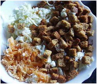 Вкусный салат с кириешками
